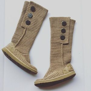 UGG classic tall cardy tan oatmeal boots 6